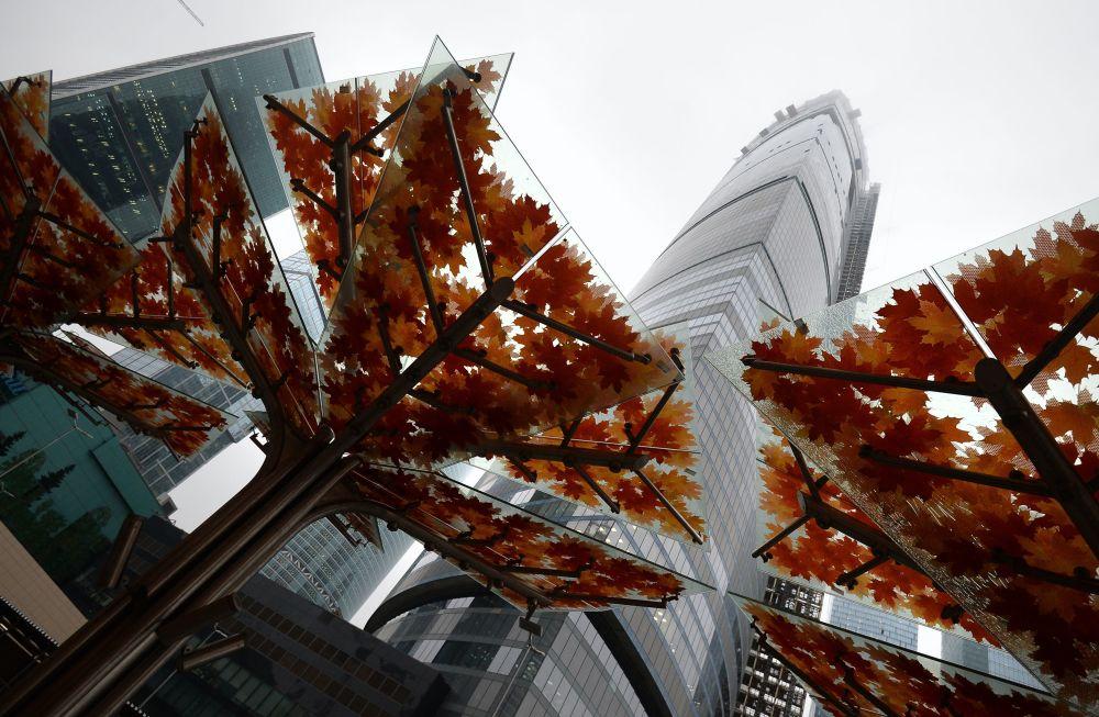 Moskova Uluslararası İş Merkezinin 13. sahasında inşa edilmiş olan çok katlı Federasyon Kulesi  Avrupa'nın en yüksek gökdelenidir, yüksekliği 374 metre, 101 katı var.
