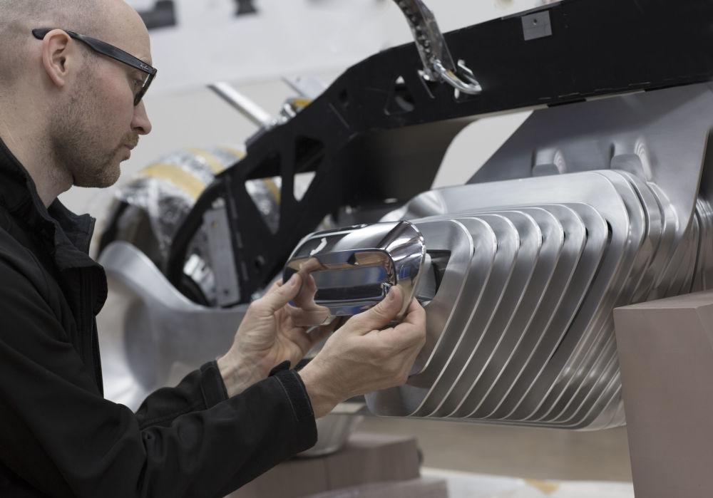 BMW Group'un BMW Motorrad Vision Next 100 modeli, geleceğin elektrik motosikleti olarak tanımlanıyor.