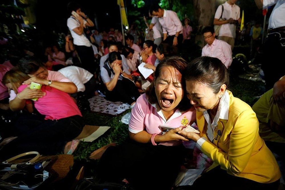 Tayland Kralı Bhumibol Adulyadej vefat etti