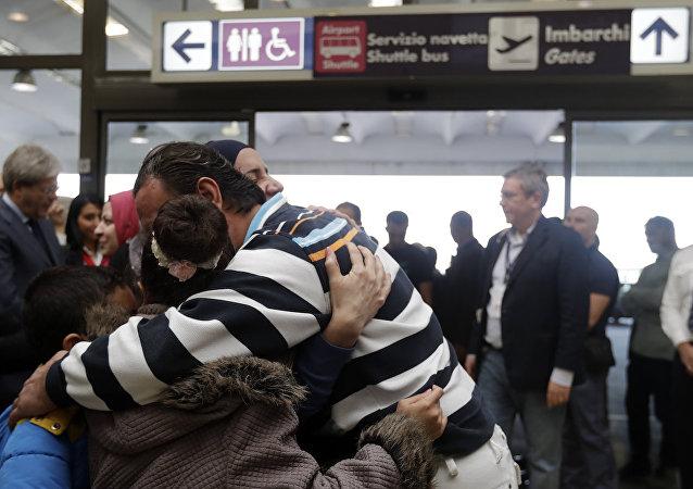 İtalya'ya varan Suriyeli sığınmacılar