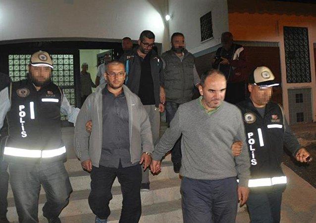 Göçmenlerle kaçmak isteyen FETÖ üyeleri yakalandı