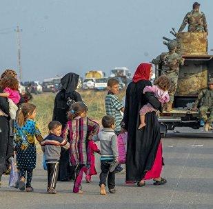Musul operasyonu 10. gününe girerken, Irak ve Peşmerge güçleri IŞİD'e karşı büyük bir ilerleme sağlıyor. Peşmerge ve Irak'ın ele geçirdiği köylerde siviller Musul operasyonu nedeniyle göç ediyor.