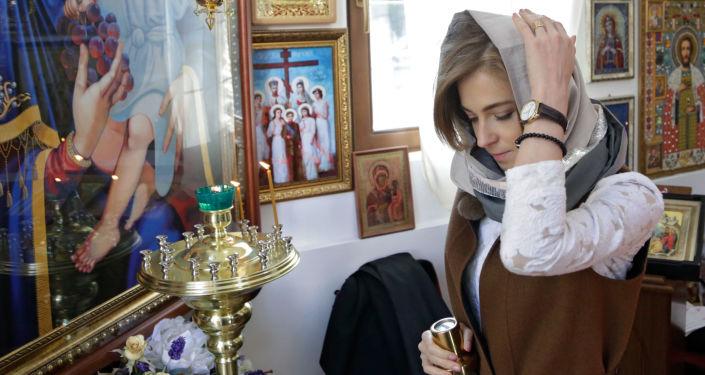 Natalya Poklonskaya yeni şapelde.
