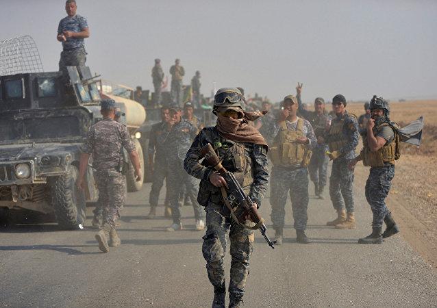 Musul operasyonuna katılan Irak federal yönetim askerleri