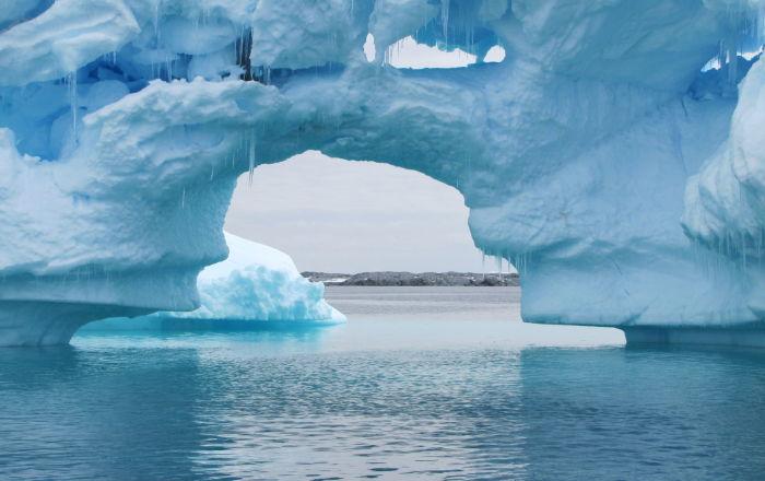 Antarktika'da bulunan 100 yıllık kek 'tazelerini aratmadı'