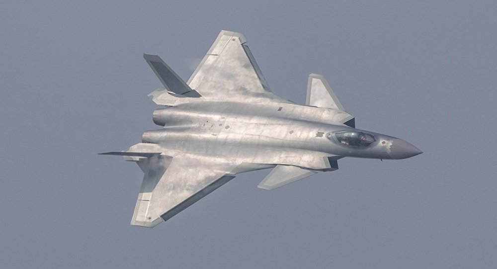 Çin'in yeni J-20 hayalet savaş uçağı