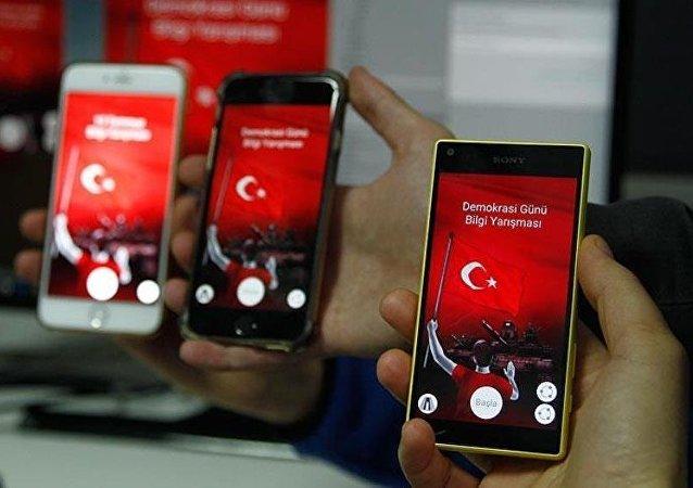 Darbe girişimi yarışma formatında akıllı telefonlarda