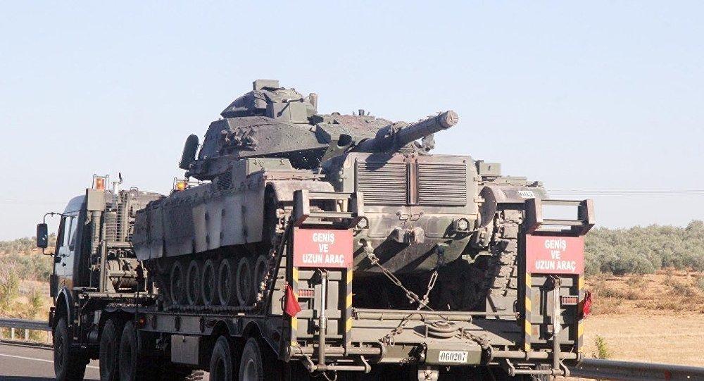 Şırnak'ın Sinopi ilçesine sevk edilen 28. Mekanize Piyade Tugay Komutanlığı Barış Gücü bünyesindeki tank ve zırhlı araçların oluşturduğu konvoy Şanlıurfa'dan geçti.