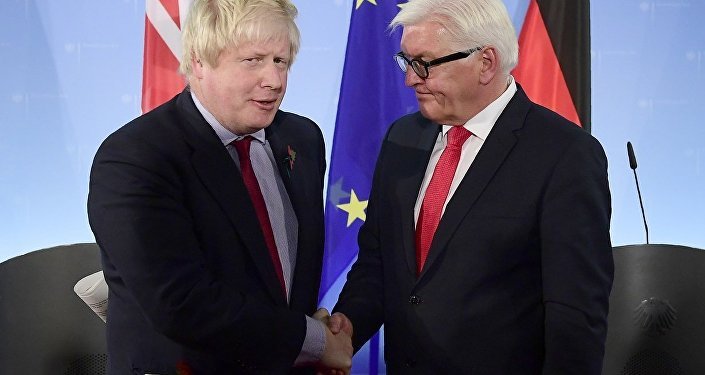 Boris Johnson ve Frank-Walter Steinmeier