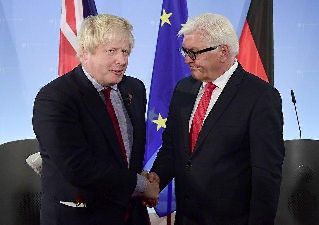 Boris Johnson ve Frank-Walter Steinmeier