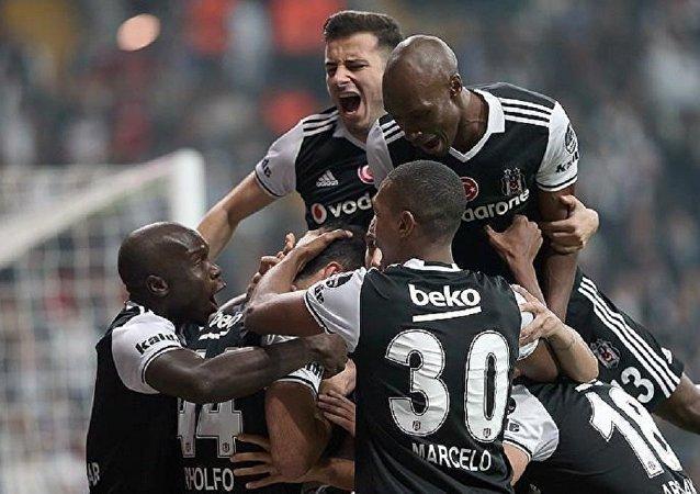 Beşiktaş, Trabzonspor'u 2-1 yenerek zirve takibini sürdürdü