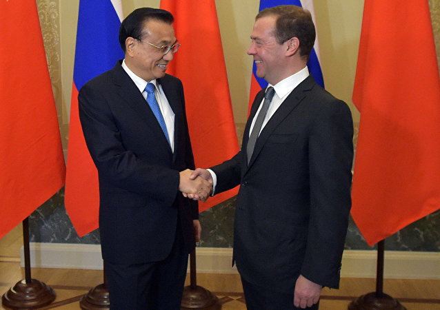 Rusya Başbakanı Dmitriy Medvedev ve Çinli mevkidaşı Li Kıçiang