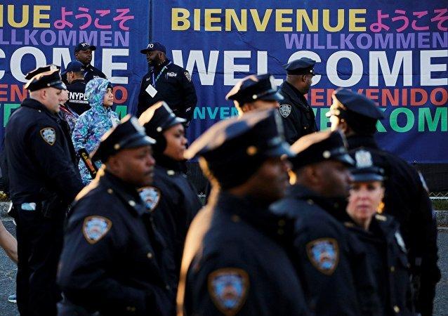 New York'da seçim günü 5 bin polis görevde