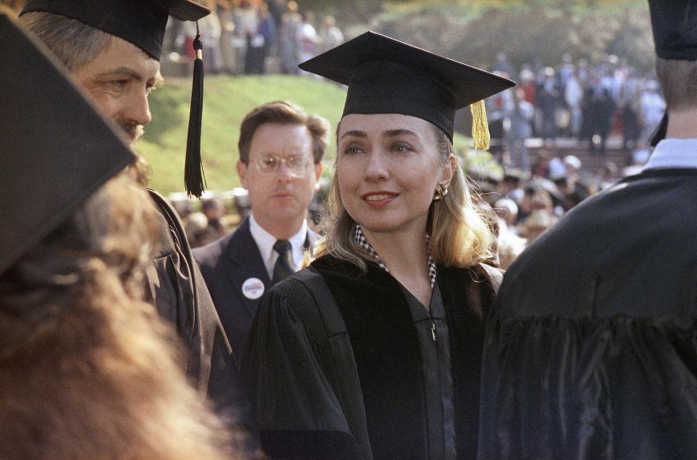 Clinton, hukuk alanında doktora derecesini alırken, 1992.