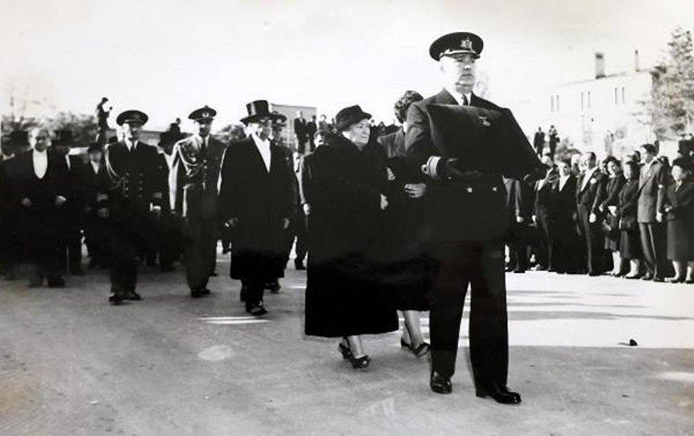 Mustafa Kemal Atatürk'ün naaşının Anıtkabir'e nakil fotoğrafları