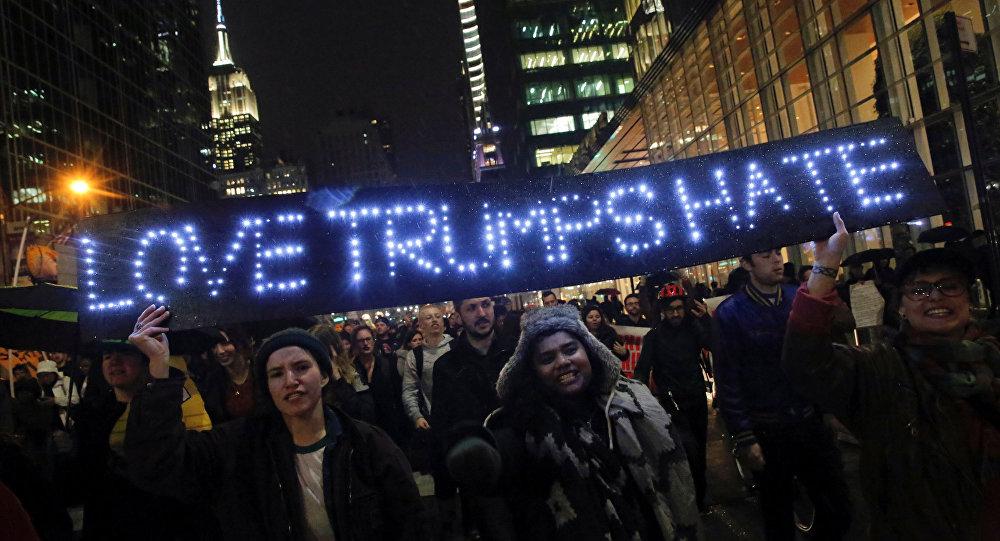 New York'ta Donald Trump karşıtı portesto