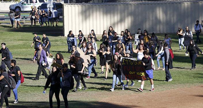 Trump karşıtı öğrenci protestoları