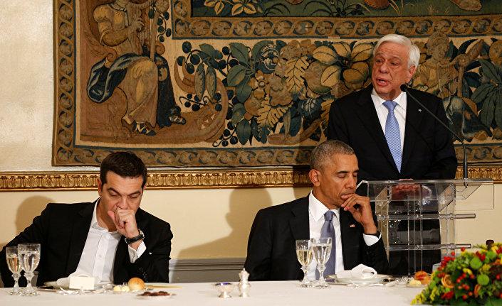 Pavlopulos'un Obama onuruna verdiği yemeğe Yunanistan Başbakanı Aleksis Çipras da katıldı.