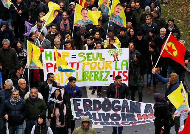Brüksel'de Erdoğan karşıtı protestolar
