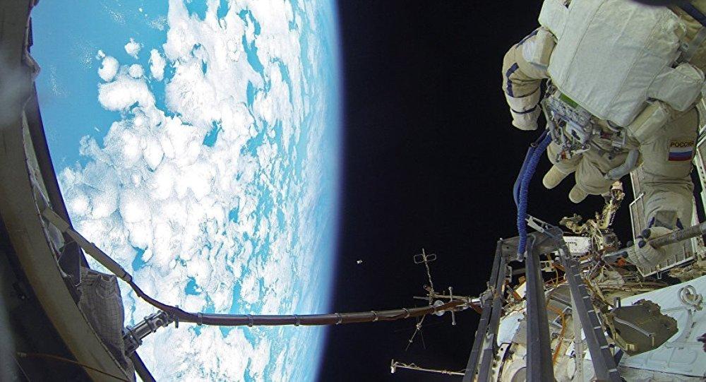 Maşa ile Koca Ayı'nın yeni bölümü ilk kez uzayda gösterildi