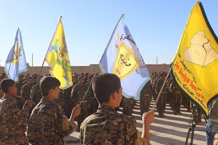 Menbiç'in batısındaki Şeyh Nasır, Subulweran, İlan ve Kiratweran köylerinde ÖSO ile DSG arasında şiddetli çatışmalar yaşanırken, Türkiye de karadan ve havadan bu bölgedeki DSG güçlerini bombalıyor.