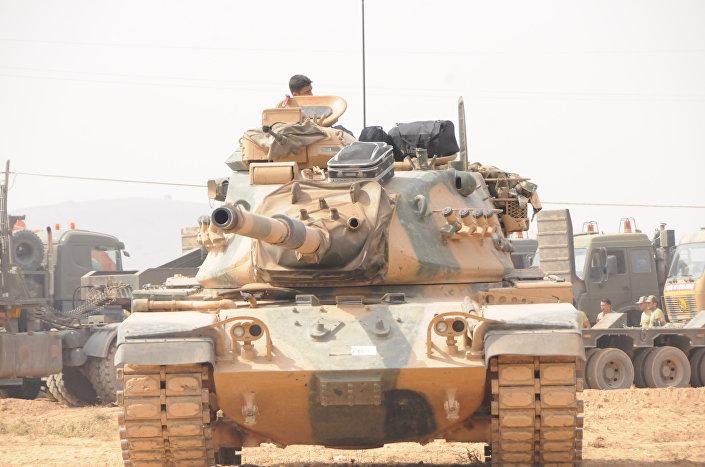 """Abdulmecit, """"Türkiye, Aktarin kasabasına yoğun bir askeri sevkiyat yapıyor, özel askerlerini burada konuşlandırıyor"""" dedi."""