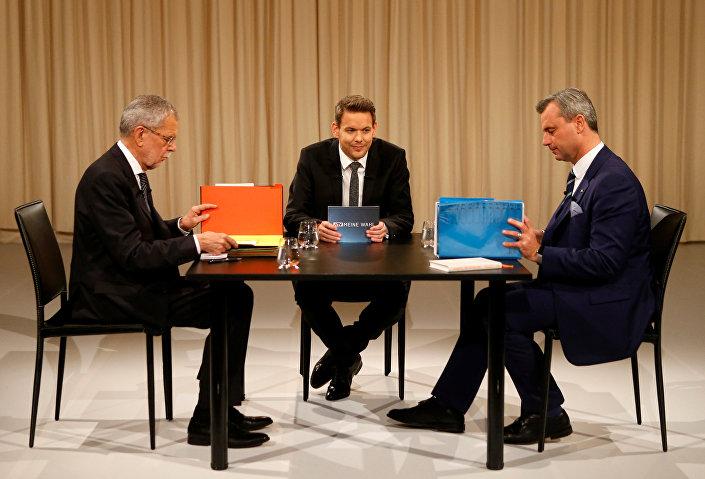 Hofer ve rakibi Van der Bellen canlı yayında kozlarını paylaştı