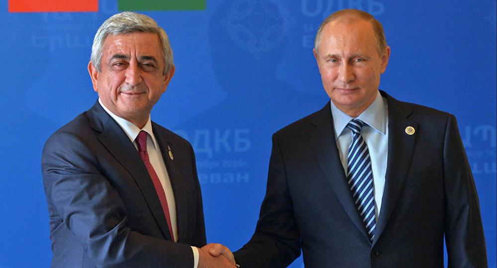 Ermenistan Devlet Başkanı Serj Sarkisyan ve Rusya Devlet Başkanı Vladimir Putin