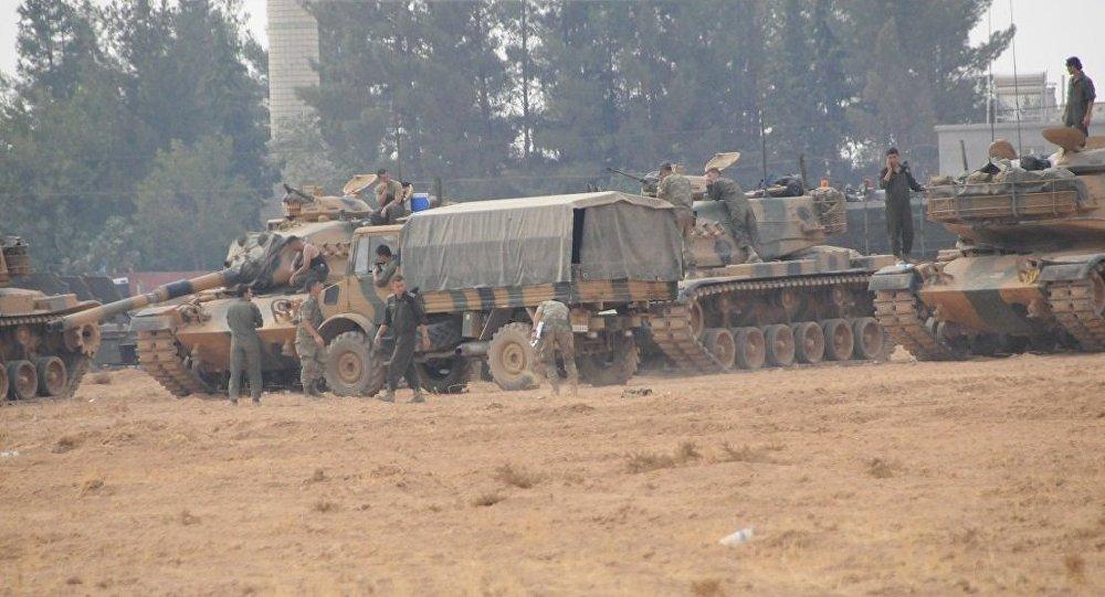 Suriye'nin kuzeyinde Fırat Kalkanı operasyonuna katılan Türk askerleri