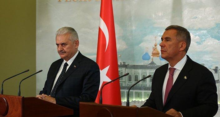 Başbakan yıldırım ve Tataristan Cumhuriyeti Cumhurbaşkanı Rüstem Minnihanov'un ortak basın toplantısı