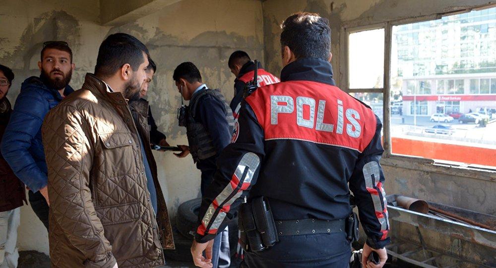 'Adana 01' dizisinin setine polis baskını