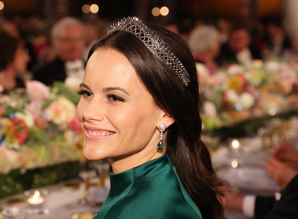 İsveç Prensi Carl Philip ile evleneyerek ülkenin yeni prensesi olan Sophia Hellqvist