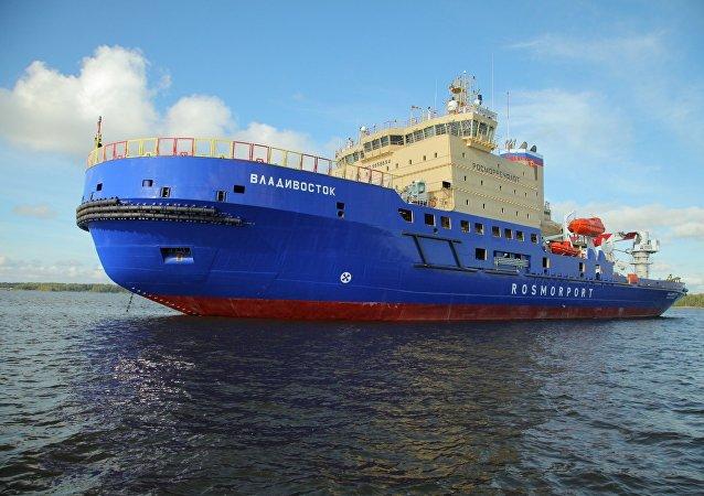 Rusya Federal Deniz ve Nehir Ulaşımı Ajansı'nın talimatıyla Vıyborg Tersanesi'nde yapılan dünyanın en güçlü buzkıran gemisi Vladivostok