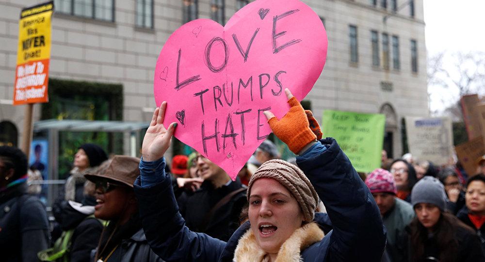 ABD'de kadınlardan Trump karşıtı gösteriler