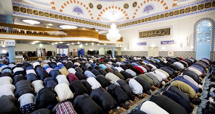 Hollanda'nın Rotterdam kentindeki Mevlana Camisi