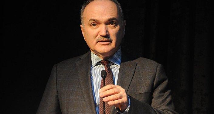 Bilim Sanayi ve Teknoloji Bakanı Faruk Özlü