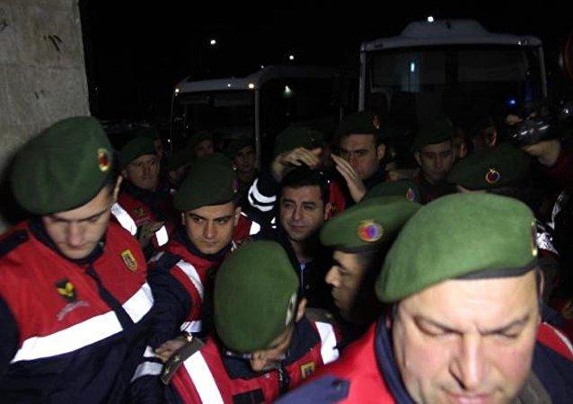 Selahattin Demirtaş, sağlık kontrolünden geçirildi