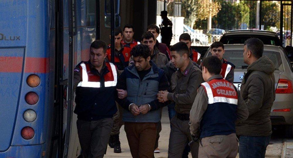 Paris terör saldırılarıyla ilgili olduğu gerekçesiyle Antalya'da yakalanan IŞİD militanı Ahmet Dahmani (27), 10 yıl 9 ay hapisle cezalandırıldı.