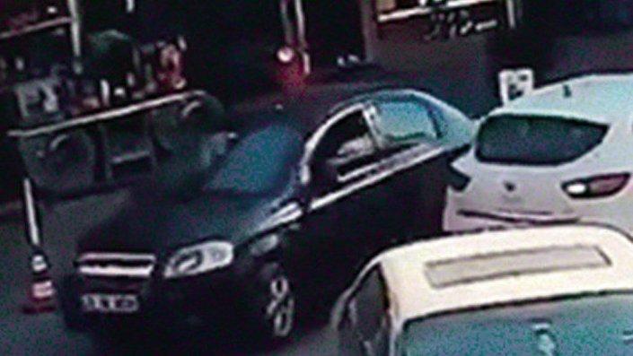 Beşiktaş'taki saldırıda kullanılan bomba yüklü otomobilin Kartal'daki notere gidiş görüntüleri ortaya çıktı.