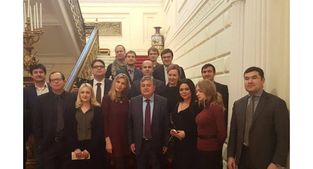 Türkiye'nin Moskova Büyükelçisi Hüseyin Diriöz, Rus basının temsilcilerini kendi rezidansında ağırladı.