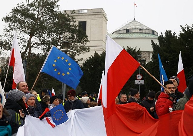 Polonya'nın başkenti Varşova'daki protestolar