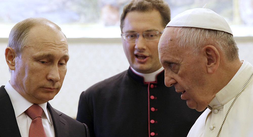 Rusya Devlet Başkanı Vladimir Putin ve Papa Francis