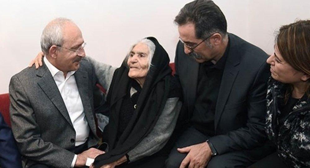 CHP Genel Başkanı Kemal Kılıçdaroğlu, 'amirallere suikast' soruşturmasında tahliyesinin ardından, hakkında verilen ikinci tutuklama kararı üzerine intihar eden Yarbay Ali Tatar'ın ailesine ziyarette bulundu.