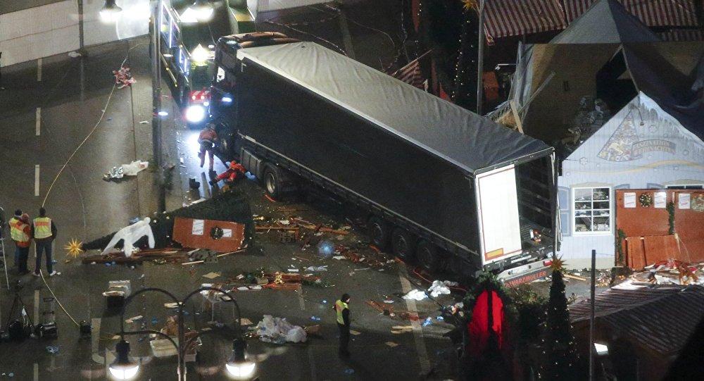 Berlin'de Noel pazarına saldırı