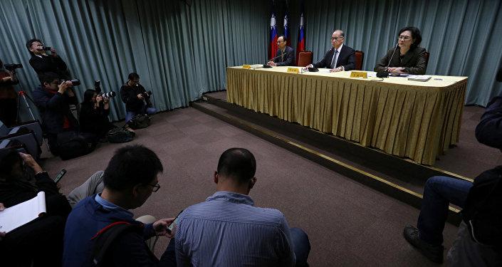 Tayvan Dışişleri Bakanı David Lee, Batı Afrika ülkesi Sao Tome'nin Tayvan ile diplomatik ilişkileri kesme kararının ardından basın açıklaması yaptı