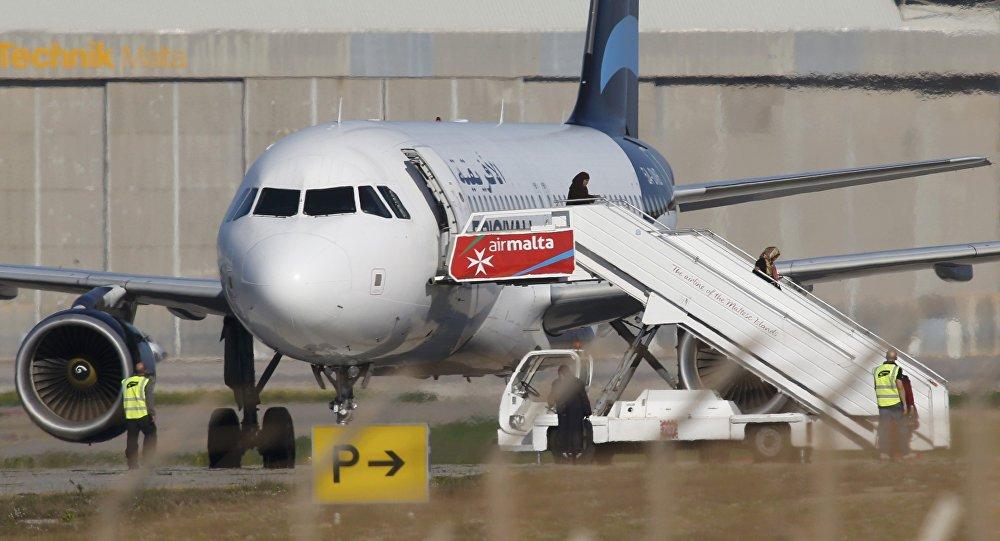 Kaçırılan Libya uçağı