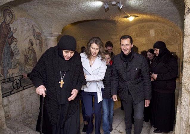 Esad ailesi, Noel sabahında Hristiyan kasabası Saidnaya'yı ziyaret etti