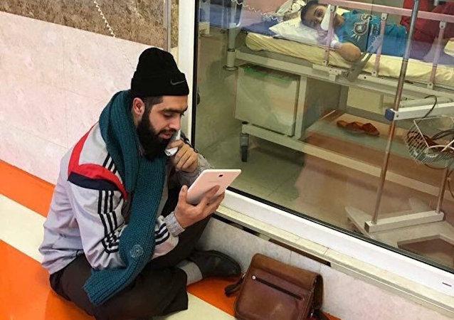Hasta öğrencisini ziyaret eden İranlı öğretmen