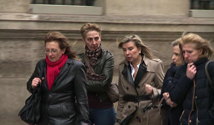 Sauvage'ın 3 kızı annelerine af sağlanması için Cumhurbaşkanı Hollande ile görüşmüştü