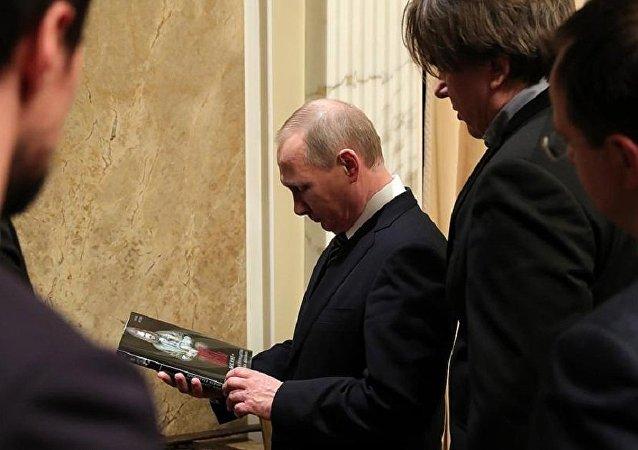 Putin, Viking filminin özel galasına katıldı